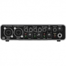 Behringer UMC204HD - interfejs audio/MIDI 2x4
